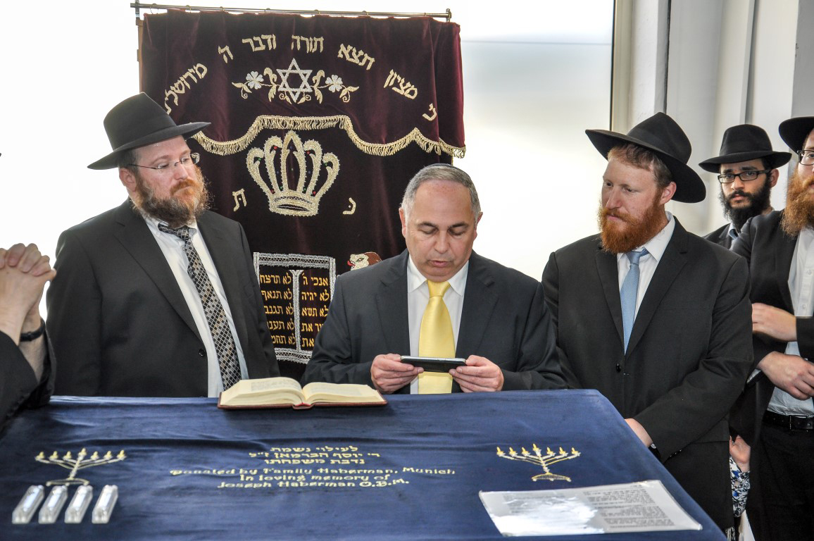 abbi Mendel Matusof, Mr Jacques Merker and Rabbi Youdi Lewin at the opening of Le Cannet's first synagogue